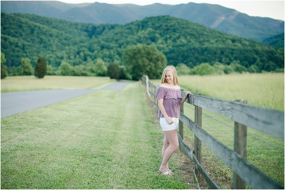 Gabby's Roanoke Virginia Senior Session_0068.jpg