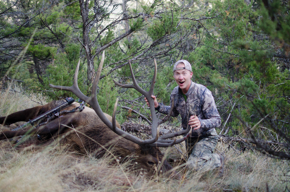 Griz Lax alum, Jerry Brown gets an elk during bow season