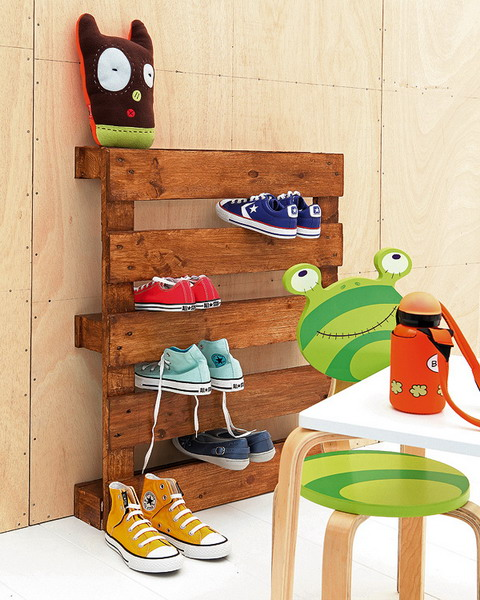 Sweet shoe storage wall hanger idea brought to you by shelterness.com