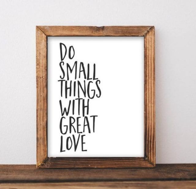 Happy Motivation Monday - We hope you find yourself doing small thing with great love today. Checkout the link in our bio for help with hanging things like this on the wall. • • • • #interiors #homesweethome #homedecor#inspiration #interior #interiors #interiordesign#luxuryinteriors #houses #housegoals  #homedetails #interior123