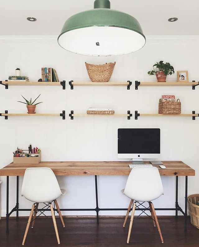 Anyone wanna estimate how long it would have taken to hang these perfectly straight shelves without a YOUHANGIT… or how much time could have been saved if one was used?? Either way, this is a beautiful beautiful workspace by @stacykallen • • • • #workspace #mac #work #decorate #shelves #homedecor #design #architecture #cactus #plantdecor #plants #cleanhome #home #homesdesign #homelove #house #homedesign