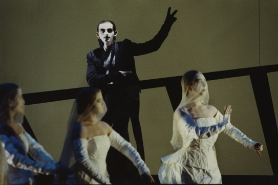 Dominique Horwitz (Pegleg) and Ensemble at the Berliner Festspiele, 1990