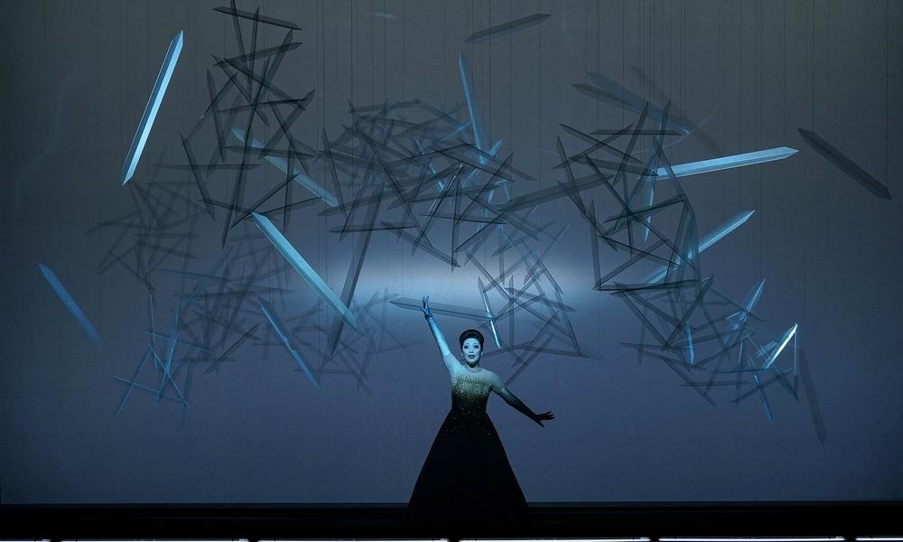 Act 1 - Myung Joo Lee (Violetta Valéry). Linz, 2015