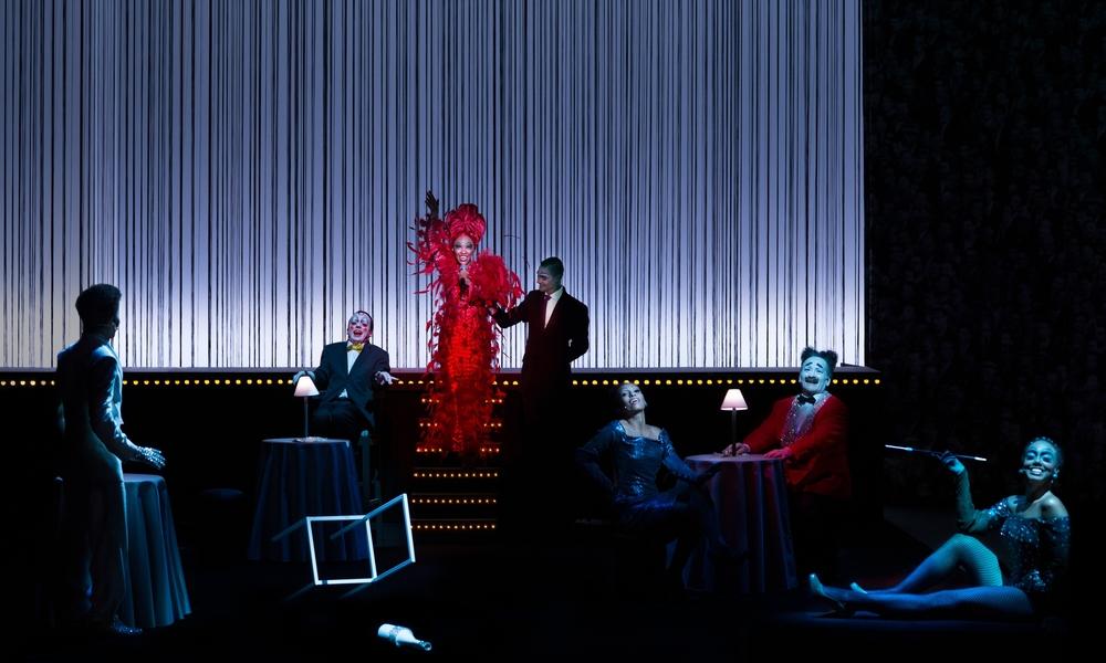 Scene II A - Nightclub / Stadium: Naruna Costa (Elza Soares), Ensemble