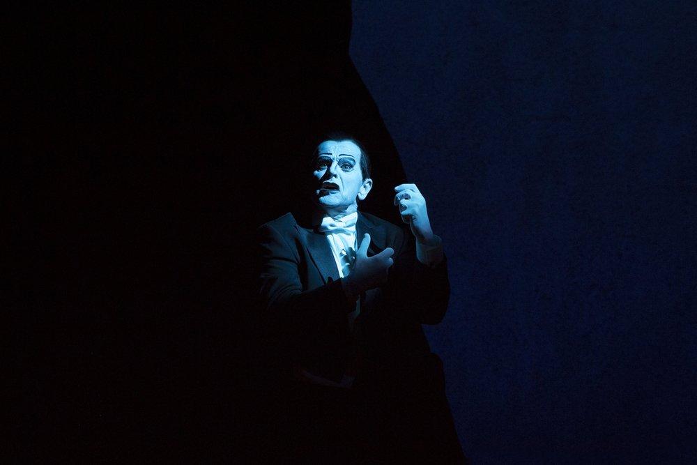 Scene I A - Mikhail Baryshnikov (Spoleto, 2015)