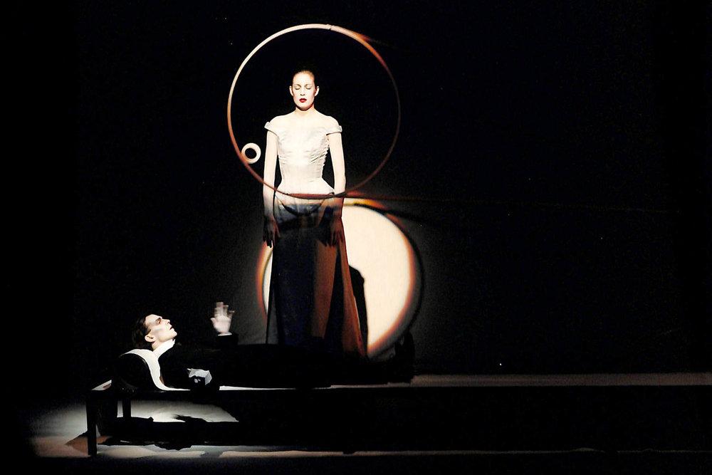 Act IV, Scene 2 - Martin Wuttke (Gilgamesh), Geno Lechner (Whore)
