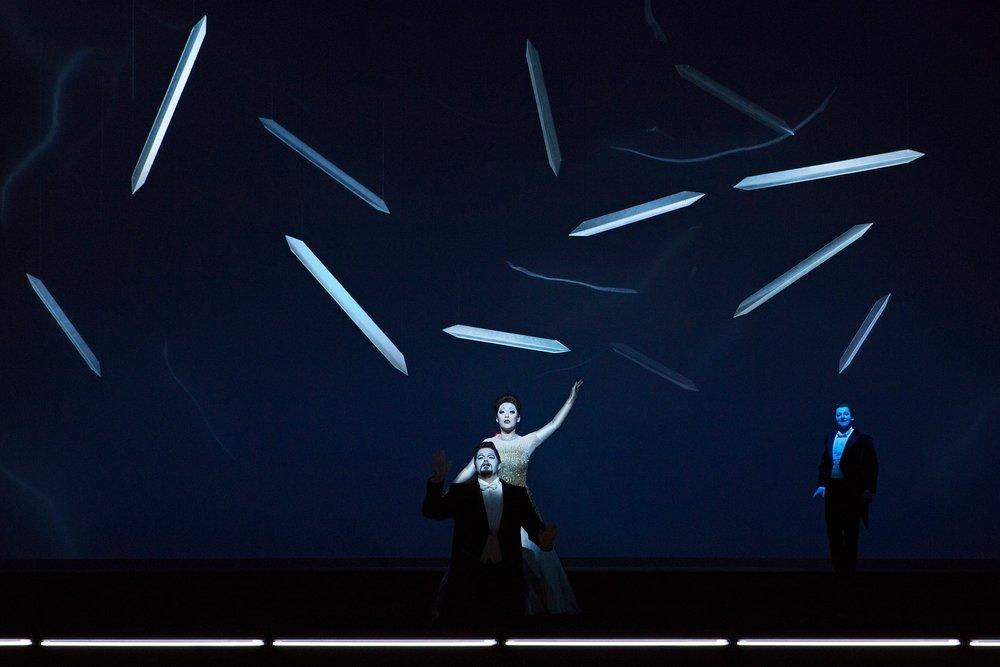 Jacques le Roux (Alfredo Germont), Myung Joo Lee (Violetta Valéry), Matthäus Schmidlechner (Gaston)  Photograph © Lucie Jansch