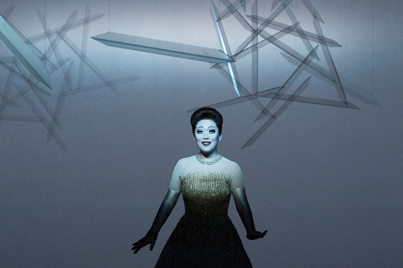 Myung Joo Lee (Violetta Valéry)  Photograph © Lucie Jansch