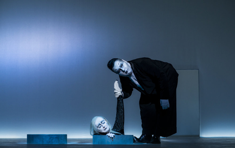 Traute Hoess (Nell), Georgios Tsivanoglou (Clov)