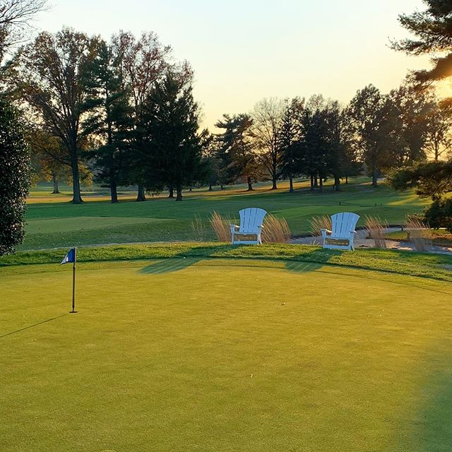 Who else likes afternoon golf? #MagicHour