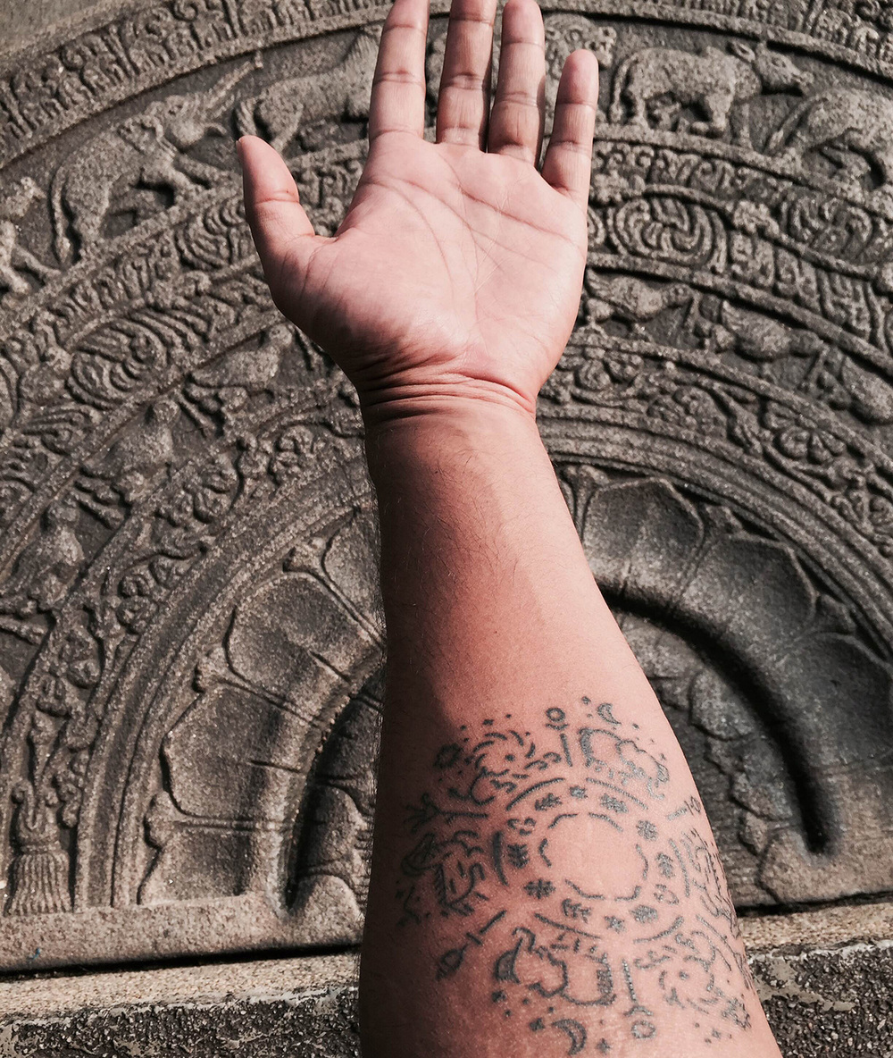 trzown-minimal-buddhist-tattoo-tish-photo1.jpg