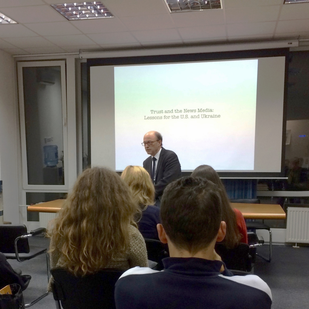 """Dillen Associates CEO Mark Dillen speaks on """"Trust and the News Media,"""" before a gathering at the Fulbright Program office in Kyiv, Ukraine."""