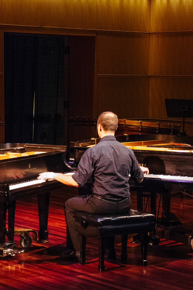 Pianist Rob Kovacs, Overture Center for the Arts, Madison, WI, US    43.074433, -89.388113 钢琴家罗布·科瓦奇,美国威斯康星麦迪逊    43.074433, -89.388113