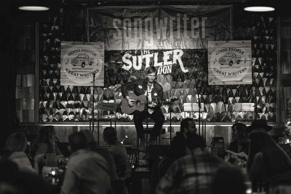 Weston Hill, 12/07/2015  , The Sutler Saloon, Nashville, TN, US    36.122082, -86.775067   韦斯顿·希尔,2015/12/07  ,美国田纳西纳什维尔    36.122082, -86.775067