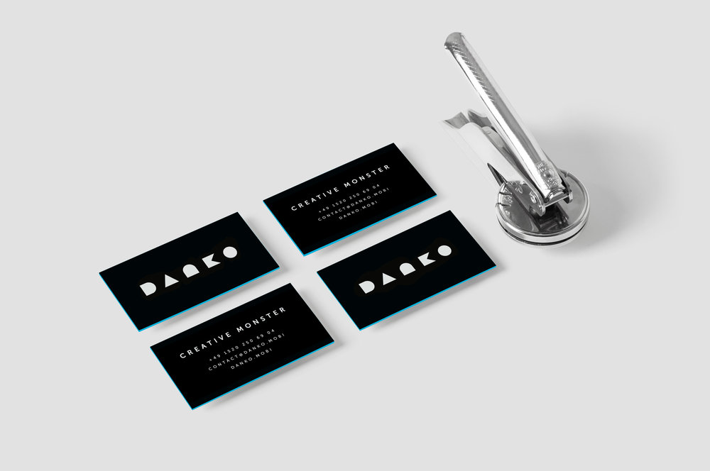 DANKO_2018businesscard_Mockup.jpg