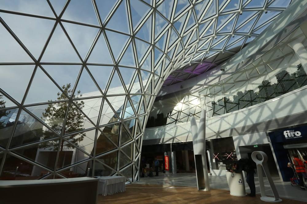 Bory mall 4.jpg