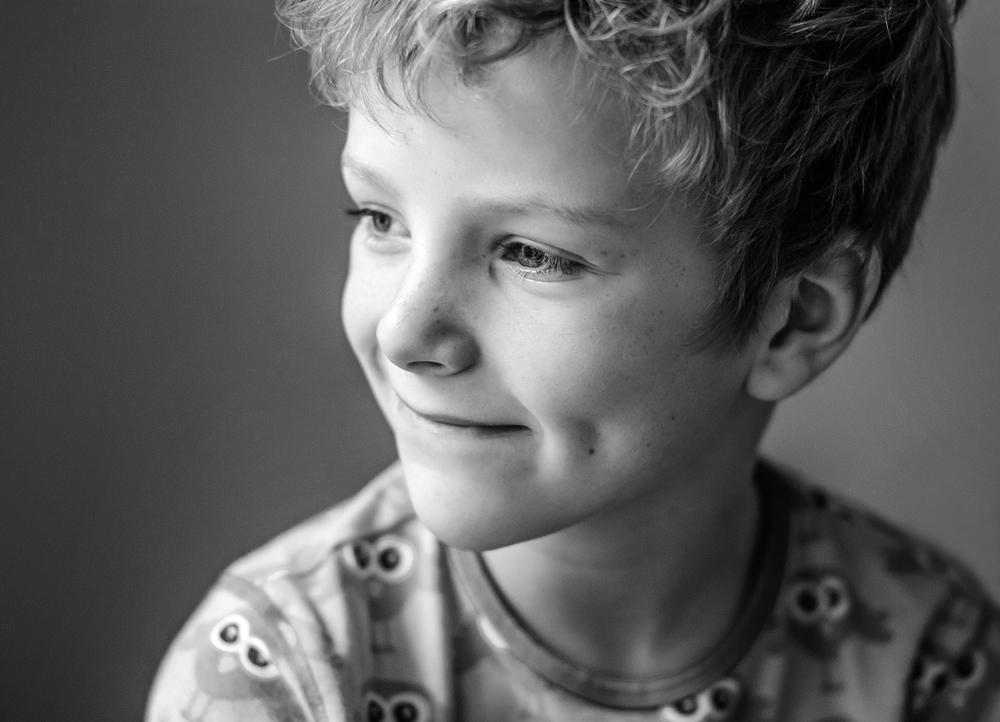 kinderportrait-berlin-schwarzweiss