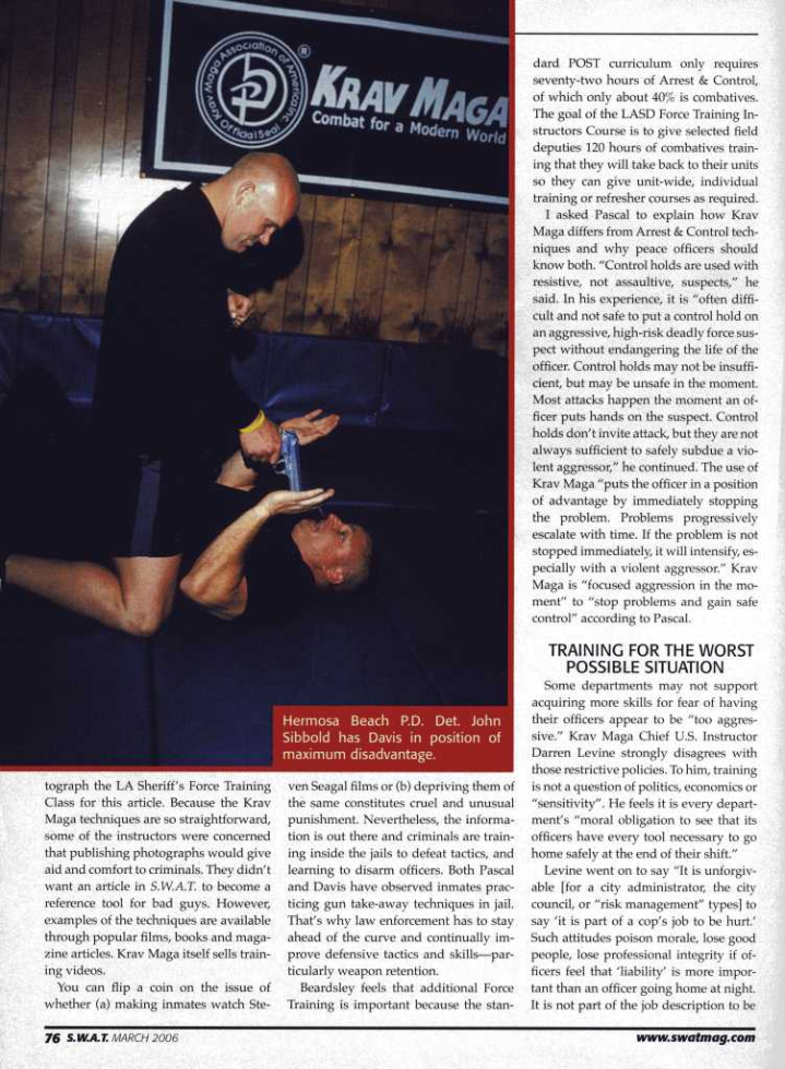 33-05-swat-magazine-marzo-2006-articulo-pagina-04.png