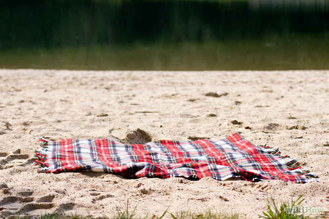 Click here to learn how to prepare for a beach picnic (yes really)