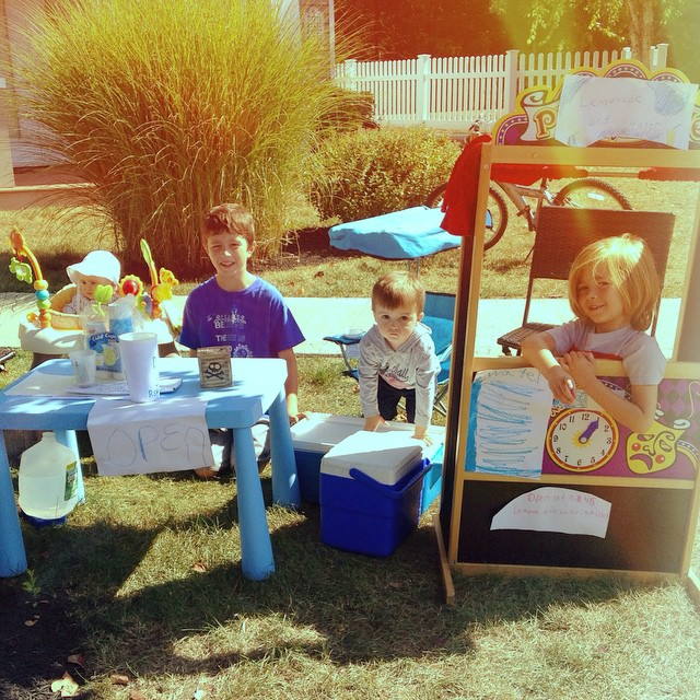 """There's always money in the (lemonade/brownie/cookie) stand!"" These hustlers have made over 100 buckaroos in their new neighborhood business (which has turned into a full blown THING, with up to 8 kids taking shifts!). And they decided...all on their own...to donate the money to @StJude children's hospital. (TV commercials aren't ALL bad!)"