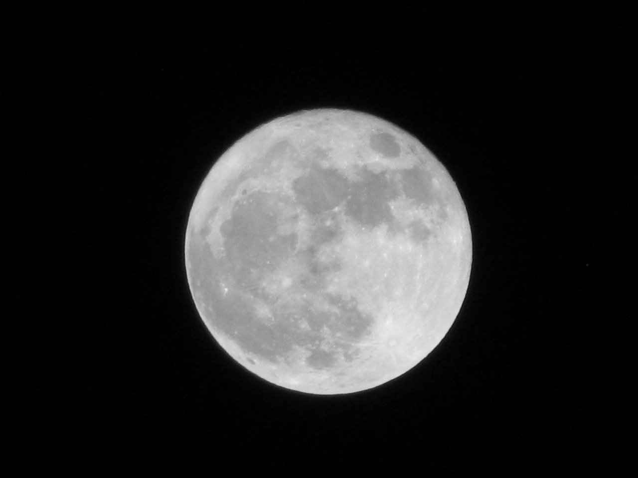 #supermoon  bushwick, new york, ny  3.19.2011
