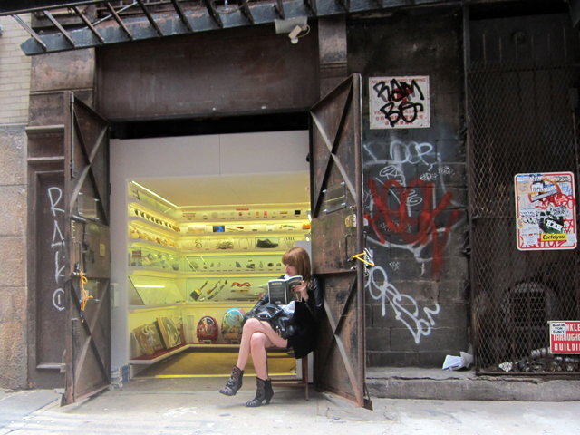 hyperallergic: Museum Gets Shafted: An Elevator Pitch for Curiosities Museum seen from Cortlandt Alley (all photographs by the author for Hyperallergic) It's been over a… View Post how have i still not been able to make it to this amazing place? :/