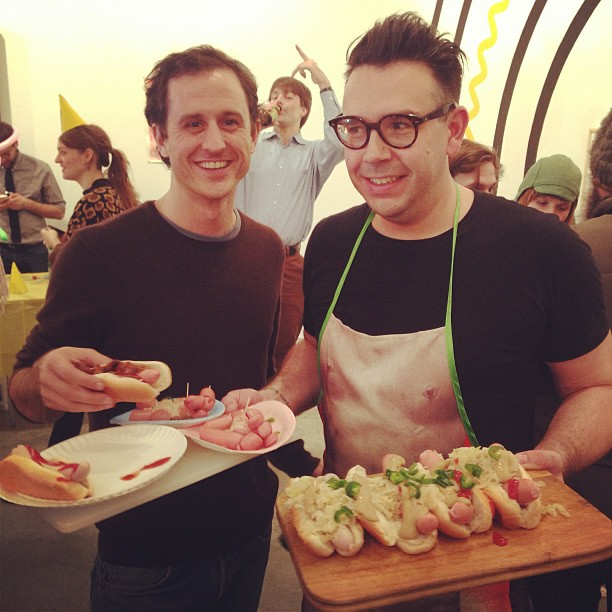 hragv: Looks like @johnpowersus wants someone else's wieners! #afcwienerfest (at Postmasters Gallery) Nice photobomb from @ToddFlorio