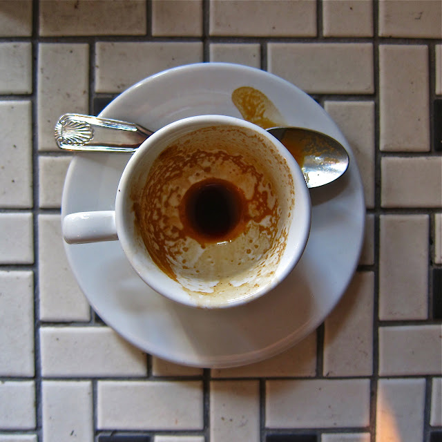 acuppaday: Ritual's Sweet Tooth El Naranjo: Cumbrita, El Salvador at Sweetleaf 2. The barista used Scottie Callaghan's dosing tools, in what may be the first and only time I've seen them used in NYC. The results were full of apple and peach and absolutely delicious. LIC represent! Even though I don't live there anymore I still love hearing good news about this quirky hood. Especially if it's about coffee. If I had real estate money I'd put it thereabout(s?).