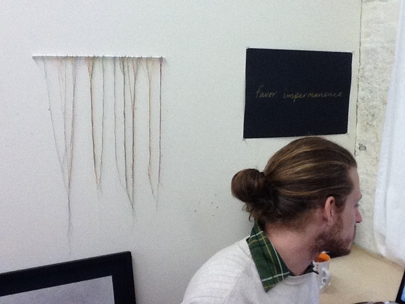 museumnerd :     Man Bartlett with the thread thingy from #GreyMatter which has a @MarDixon and daughter thread.     Always nice to have visitors! Thx mnerd!