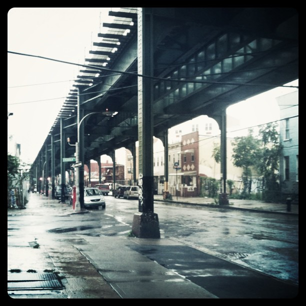 Ah, not an M train in sight. Just like normal. (Taken with  instagram )