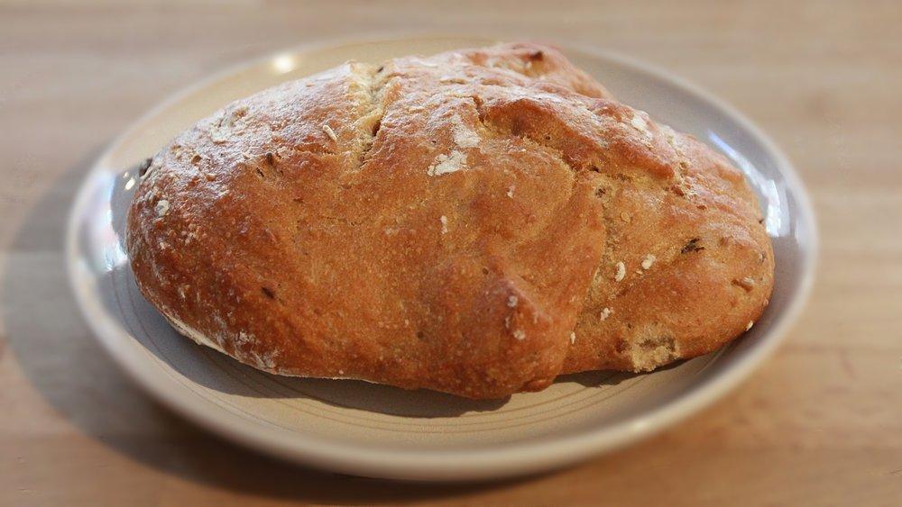 spelt bread £1.20/100gr