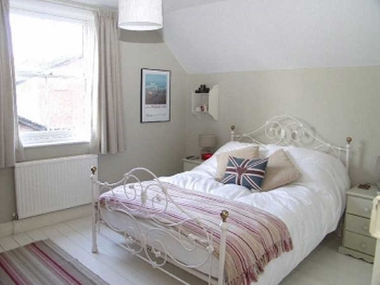 Courtesy of Daily Mail.com   This humble bedroom was where the future Queen of England, Kate Middleton, lay her uncrowned head as a little girl.