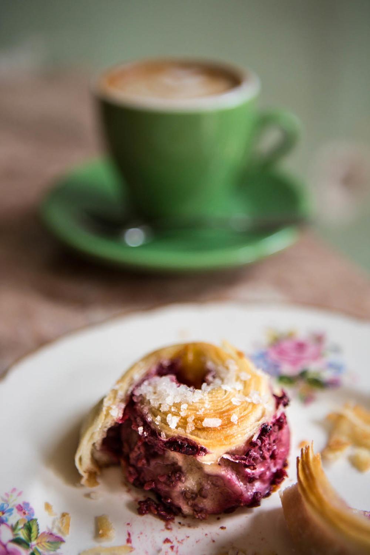 Cafe Parvis1-ArielTarr.jpg