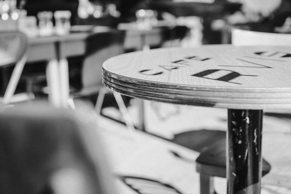 Cafe_Parvis5_ArielTarr
