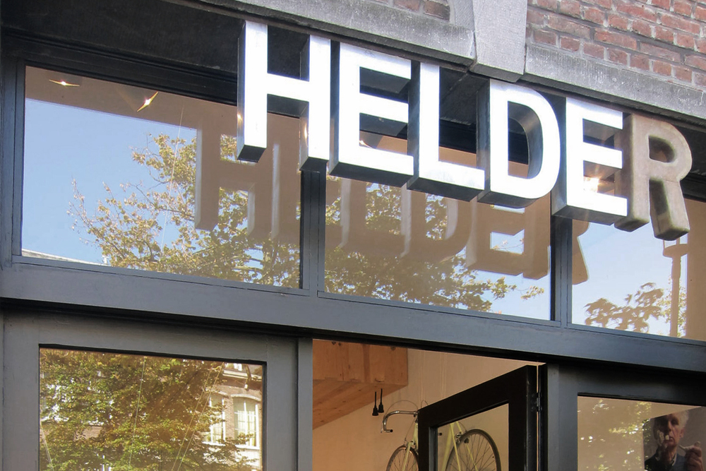 STUDIO HELDER Vrijdagmarkt 13, B2000 Antwerp - Belgium Wednesday to Saturday - 10,30 am > 18.30 am T: +32 3 289 4318 M: info@studiohelder.be W: www.studiohelder.be