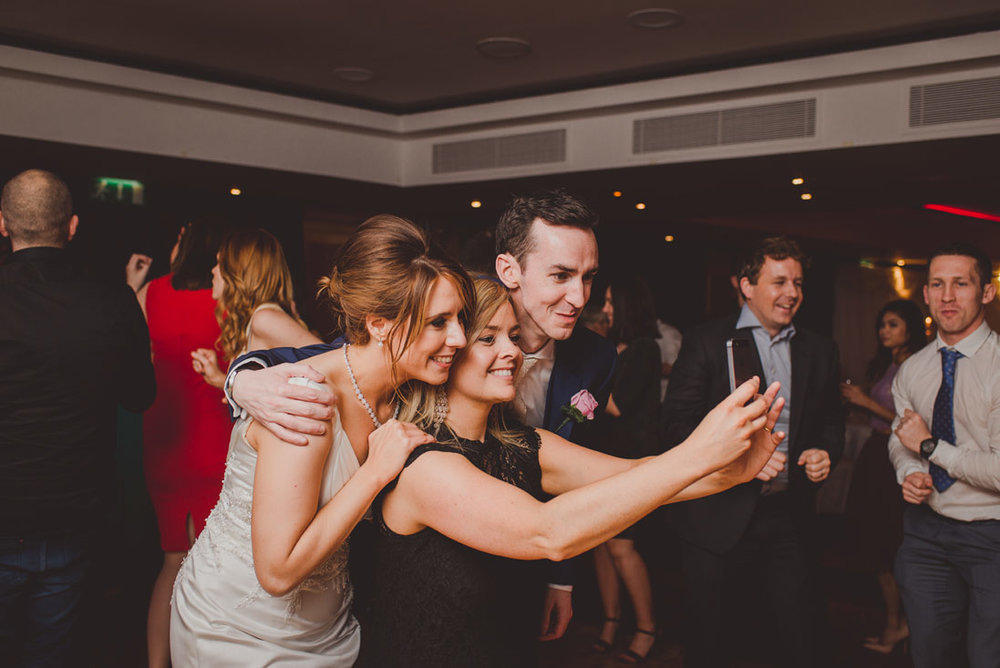 wedding-photographers-radisson-blu-st-helens-dublin-141.jpg