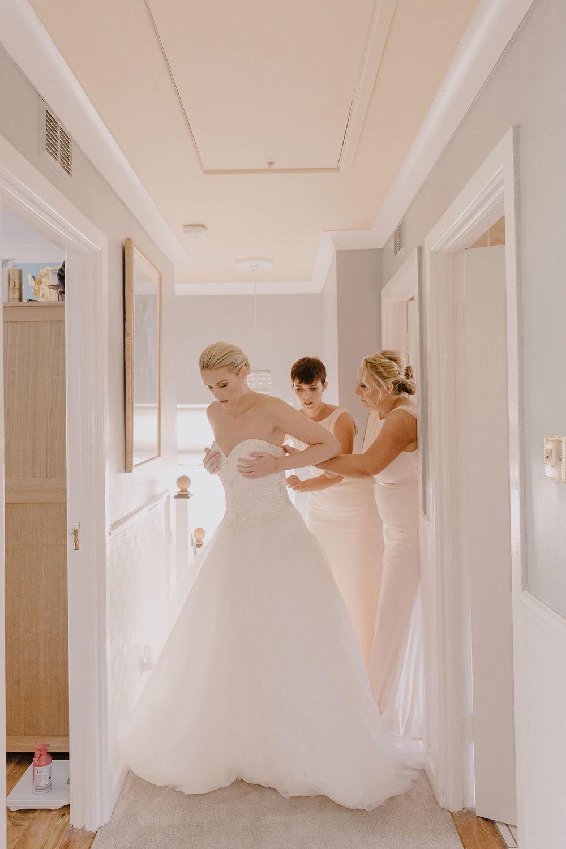 clontarf-castle-wedding-photographer-028.jpg