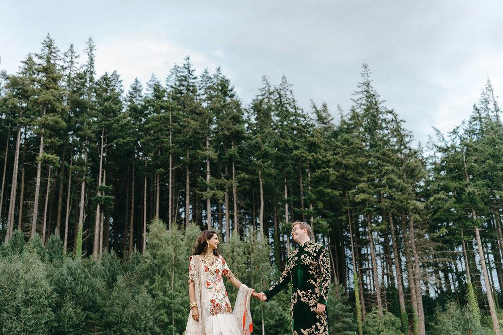 powerscourt-hotel-wedding-photographer-0151_0901.jpg