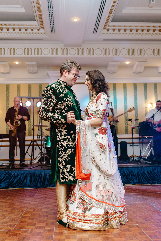 powerscourt-hotel-wedding-photographer-0161_0911.jpg