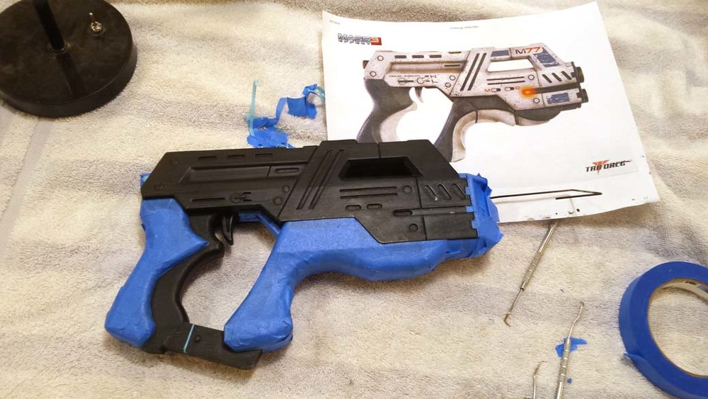 Masking white areas of 3D Printed Cosplay Mass Effect Pistol