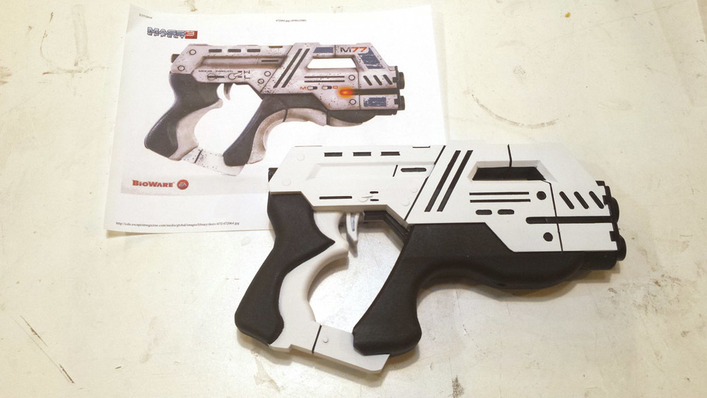 Finished Black Details of the 3D Printed Cosplay Mass Effect Pistol