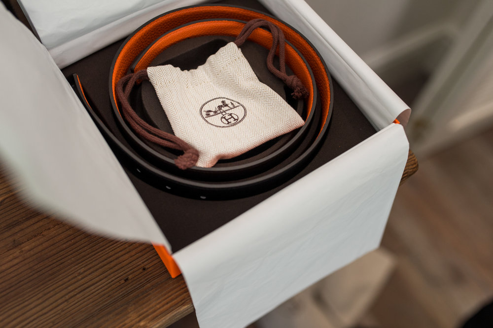 Stefy Hilmer Photography-Wedding gift, a belt for the groom.jpg