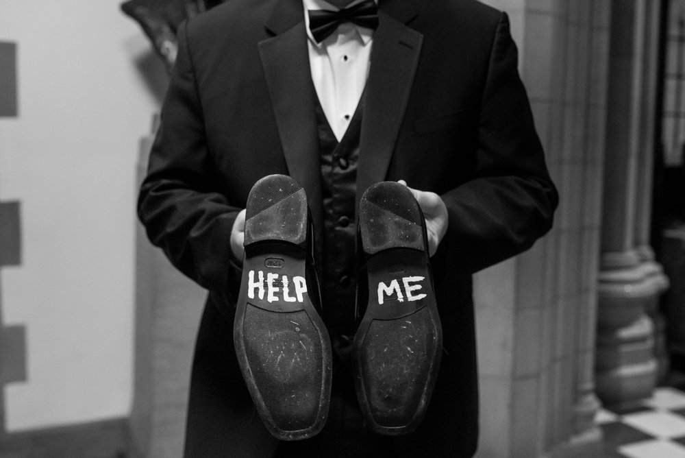 Stefy Hilmer Photography-wedding day fun on wedding shoes.jpg