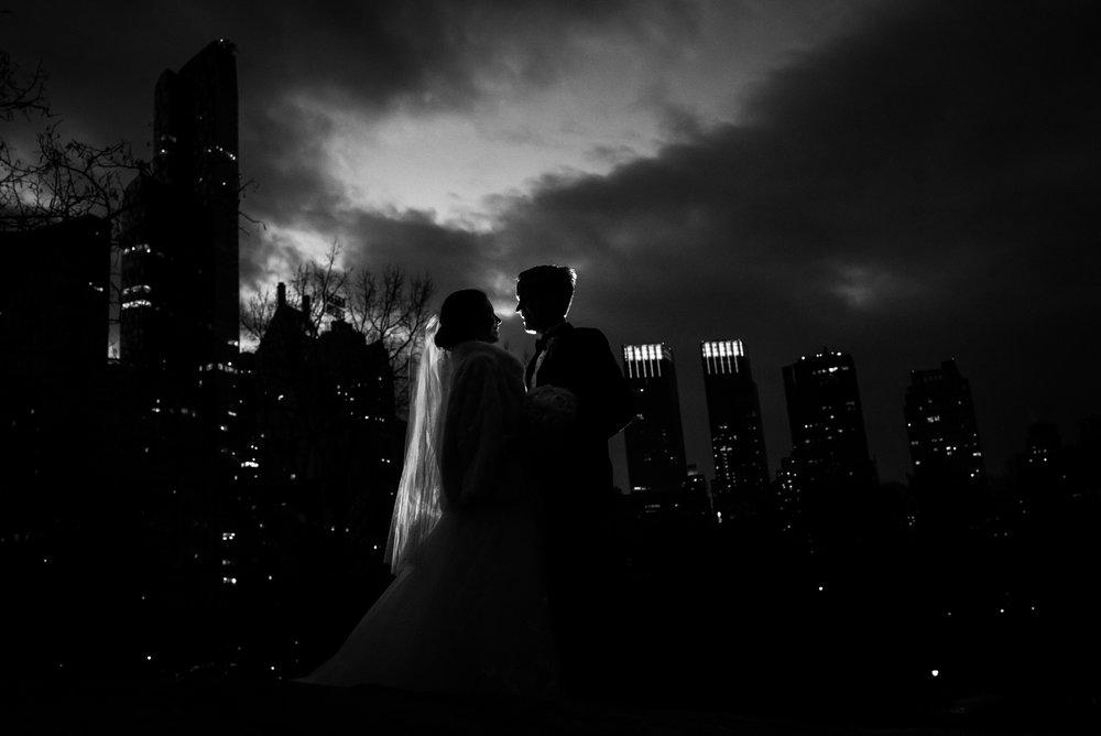 Stefy Hilmer Photography-night portrait with the manhattan skyline.jpg