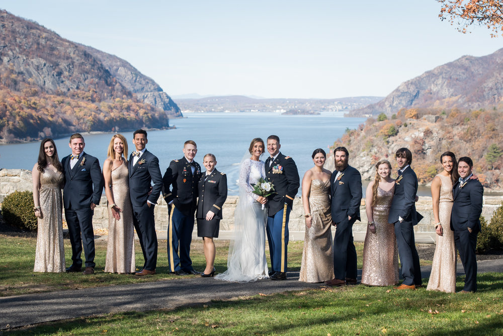 Stefy Hilmer Photography-bridal party photo with the hudson river in the background.jpg