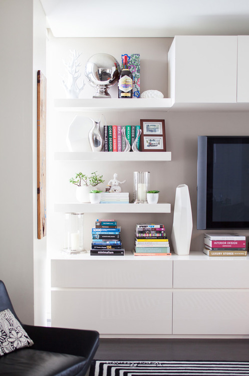 6 things you should know about styling shelves the - What did the wall say to the bookcase ...
