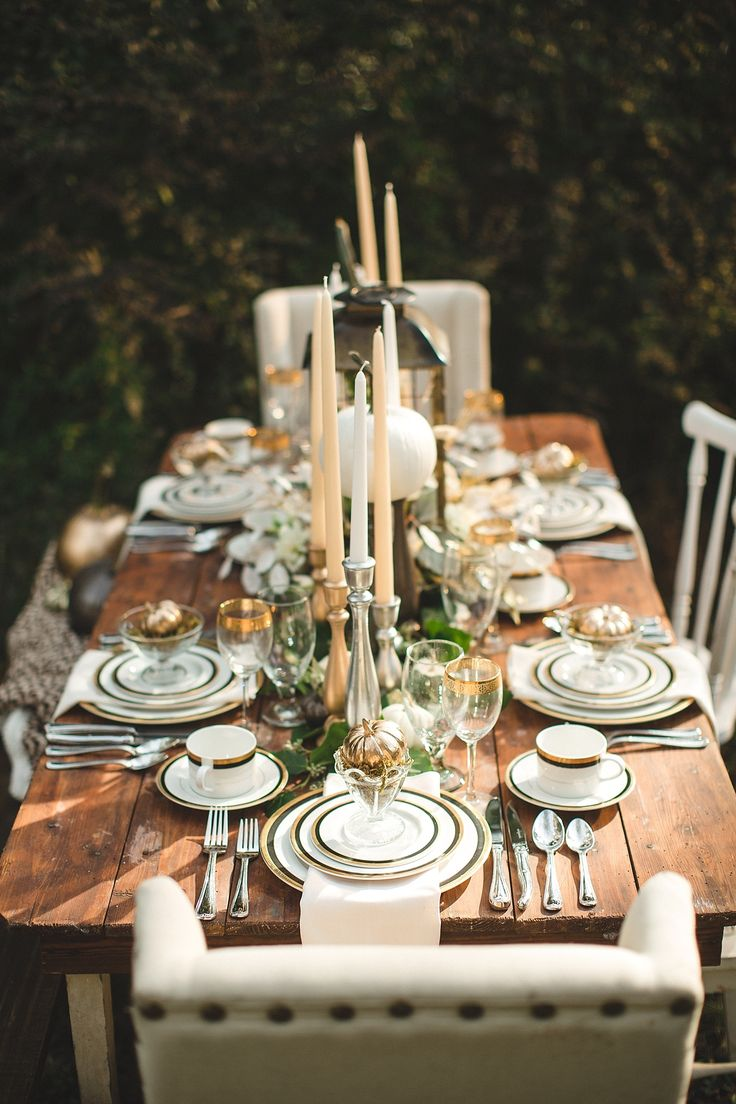 Halloween Chic The Perfect Holiday Tabletop The Decorista