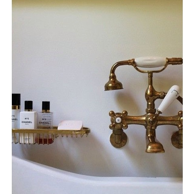bathtub accents