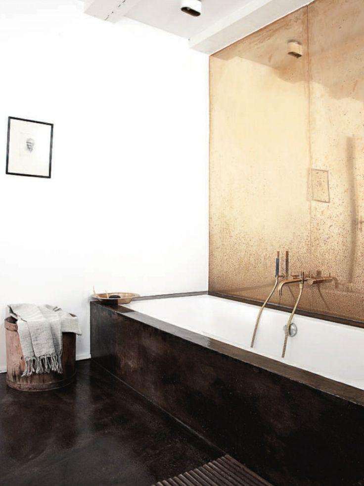gold mirorred bath