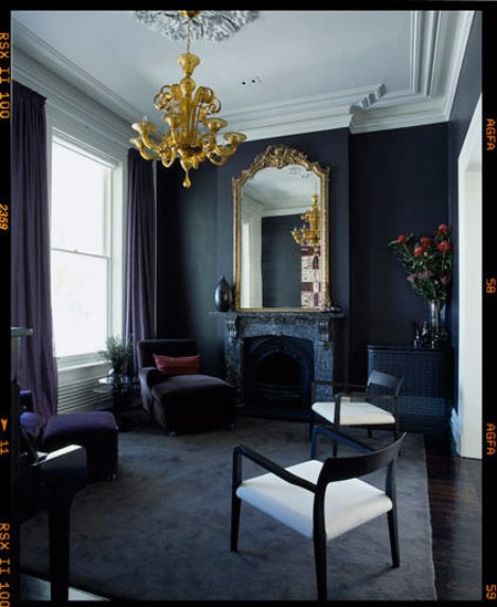 Currently in decor a navy love affair the decorista for Decorating dark spaces